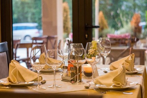 restaurant-449952_960_720.jpg